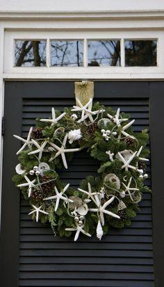 Want to make a nautical Christmas Wreath ۞ Welcoming Wreaths ۞ DIY home decor wreath ideas - starfish Coastal Wreath, Coastal Christmas Decor, Nautical Christmas, Coastal Decor, Starfish Wreath, Coastal Cottage, Coastal Homes, Coastal Living, Nautical Wreath