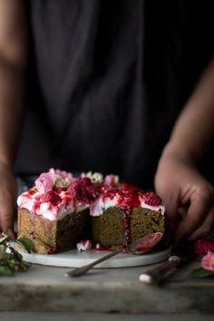 Torta magica alle ortiche e lamponi   Smile, Beauty and More