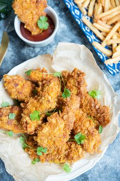 Stripsy z kurczaka jak z KFC - Po Prostu Pycha Milanesa, Ketchup, Tandoori Chicken, Chicken Wings, Grilling, Meat, Ethnic Recipes, Food, Crickets