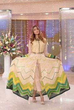 Beautiful Pakistani Dresses, Pakistani Dresses Casual, Indian Fashion Dresses, Pakistani Dress Design, Beautiful Dresses, Stylish Dresses For Girls, Stylish Dress Designs, Simple Dresses, Casual Dresses