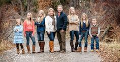 Fall Family Pictures - I love this Family Shoot, Big Family Photos, Large Family Poses, Fall Family Pictures, Family Picture Poses, Family Picture Outfits, Family Photo Sessions, Family Posing, Family Portraits