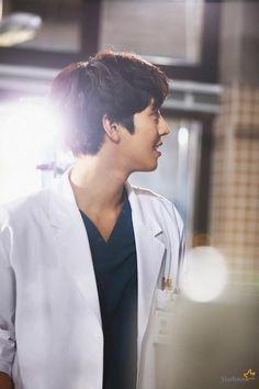 Korean Actresses, Korean Actors, Queen Of The Ring, Ahn Hyo Seop, Romantic Doctor, Joo Hyuk, Drama Korea, Korean Men, Asian Boys