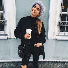 Instagram: burimova