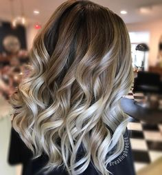 "1,266 Likes, 14 Comments - Central MA🌏 Hair Stylist (@breakingbronde) on Instagram: ""Balayage blend . .  #btconeshot #btconeshot_creativecolor16 #btconeshot_transformations16…"""