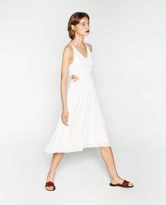 Image 1 de ROBE À TOP ÉLASTIQUE de Zara