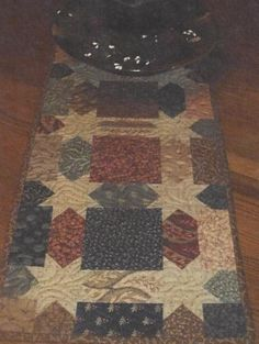 Charming Jacey Hanna table runner quilt pattern by Creek Side Stitches
