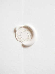 white wax seal on white stationery. must have used a wax gun to keep the white so pure & free of the carbon debris from candle burning. Coperate Design, Graphic Design, Seal Design, Custom Design, Design Basics, Paper Design, Pinterest Color, Visual Story, White Seal