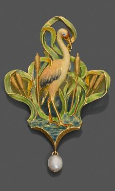 AN ART NOUVEAU GOLD, ENAMEL AND PEARL PENDANT. Depicting a heron amongst reeds, decorated with opaque and translucent enamels, suspending a small bouton pearl. 6.7 x 4.3cm.