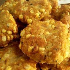 Ez lencséből is finom. Muffin, Cookies, Chicken, Meat, Breakfast, Desserts, Food, Plants, Crack Crackers