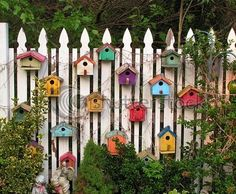Idea for making a plain fence look great