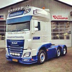 DAF semi truck