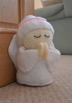 Angel Door Stop knitting pattern