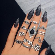 Elegant #JeweledNails