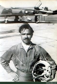 Muhammad Mahmood Alam, was a Pakistani fighter pilot and a North American F-86 Sabre Flying ace; In one mission on 7 September 1965, Alam downed five Indian aircraft in less than a minute, the first four within 30 seconds, establishing a world record, with total of 9 aircraft downed in the war. History Of Pakistan, Pakistan Zindabad, Pakistan Travel, Sufi Saints, Air Fighter, Fighter Pilot, Pakistan Armed Forces, Azad Kashmir, History Images