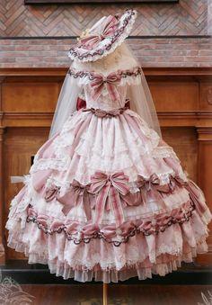 Kawaii Fashion, Lolita Fashion, Frilly Dresses, Flower Girl Dresses, Old Fashion Dresses, Lolita Dress, Dream Dress, Victorian Fashion, Pretty Outfits