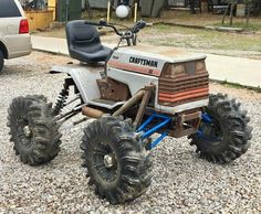 Pimped out Lawn tractors 😎🤘🏻🚜 Kart Cross, Homemade Tractor, Go Kart Plans, Jimny Suzuki, Hors Route, Drift Trike, Buggy, Pedal Cars, Mini Bike