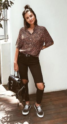 28 looks for you to test in February. T-shirt for women, Crop Top Outfits, Trendy Outfits, Cute Outfits, Fashion Outfits, Swag Fashion, Fashion Pants, Looks Style, Casual Looks, Dope Style