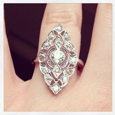 Art Deco Diamond Ring - I know I'm dreaming way beyond anything that's even remotely possible, but if this was my wedding ring, I'd die. Jewelry Box, Jewelry Accessories, Fine Jewelry, Jewelry Design, Art Deco Diamond Rings, Emerald Rings, Antique Jewelry, Vintage Jewelry, Do It Yourself Jewelry