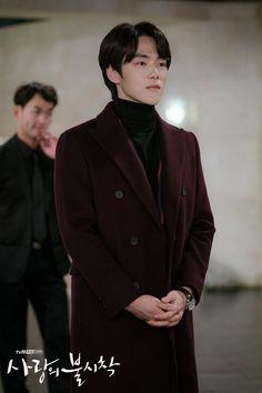 I hope he can get rid of his greed and find someone who really likes him❤ Kim Joong Hyun, Jung Hyun, Kim Jung, Jung Yong Hwa, Korean Star, Korean Men, Asian Actors, Korean Actors, Chines Drama