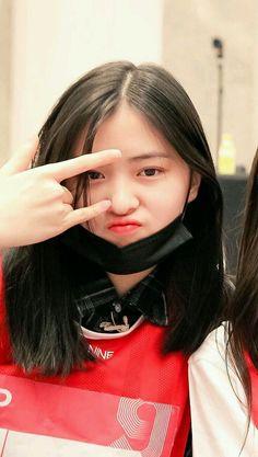 Kpop Girl Groups, Korean Girl Groups, Kpop Girls, Aesthetic Girl, Kpop Aesthetic, Cute Girls, Cool Girl, Thing 1, Grunge Hair