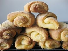 Hallelujah, I'm TOTALLY making this.  And very soon.  My all time favorite Filipino pastry.