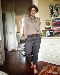 Straightforward attained casual fashion over 50 women from this source Mode Outfits, Casual Outfits, Fashion Outfits, Womens Fashion, Fashion Trends, Work Casual, Casual Chic, Casual Looks, 50 Style