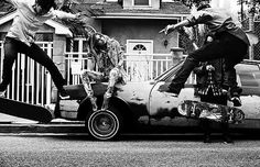 David Burton   Trunk Archive, LA Skaters, 2012 / 2014 © www.lumas.de/ #LumasArchitektur,  Auto,  Autos,  Bewegung,  Bewegungen,  Eislauf,  Fotografie,  Frau,  Frauen,  Kalifornien,  Los Angeles,