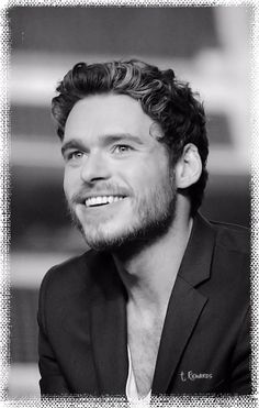 We love you Richard Madden ~ and we miss Talisa & Robb Stark, the King Of The North.