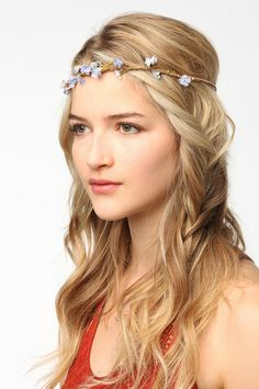 JESSSUSSSS CHRISSSSST, SOMEBODY HEEELP MEEE I CAN'T STOP PINNINNNGGGGG Gardenhead Princess Halo Headwrap  #UrbanOutfitters