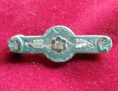 Antique Silver Hm Birmingham 1894 / gold embossed sweetheart bar brooch #10658