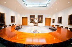 London's rich history even extends to such professional staples as the meeting room. Here are 5 meeting rooms that capture the essence of the bygone days.