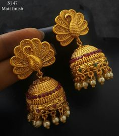 gold jhumka designs with weight Real Gold Jewelry, Indian Jewelry, Gold Jewellery, Kerala Jewellery, Jewellery Showroom, Jewelery, Pearl Necklace Designs, Gold Earrings Designs, Gold Jhumka Earrings