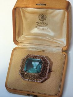 Engagement gift given to Alix by Nicholas II. A siberian aquamarine and diamond brooch by Faberge. Nicholas also purchased a pearl necklace with a diamond set clasp at the same time as a gift for Alix. The brooch is currently in a private collection. Antique Jewelry, Vintage Jewelry, Engagement Presents, Engagement Ring, Faberge Eier, Faberge Jewelry, Alexandra Feodorovna, Tsar Nicholas, Royal Jewelry