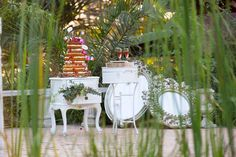 Naked cake festooned with berries and blooms - Nadine and Lorenzo's Enchanted Parisian Wedding Parisian Wedding, Event Styling, Enchanted, Affair, Berries, Naked, Bloom, Table Decorations, Bride