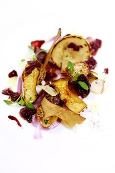 Olive Oil–Poached Turnip / 17 Stunning Photos Of Chef Charlie Trotter's Food (via BuzzFeed)