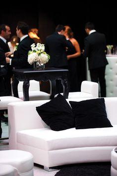 Black & White Cocktail Lounge  <3