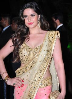 Zarine Khan is an Indian actress and model who appears in Hindi, Punjabi, and Tamil films. Today, we collected Zarine Khan's hot and beautiful HD photos. Most Beautiful Bollywood Actress, Bollywood Actress Hot Photos, Bollywood Celebrities, Beautiful Actresses, Actress Photos, Bollywood Saree, Indian Bollywood, Bollywood Fashion, Bollywood News