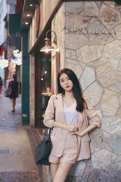 Korean Fashion – How to Dress up Korean Style – Designer Fashion Tips Korean Girl Fashion, Korean Fashion Trends, Korean Street Fashion, Ulzzang Fashion, Korea Fashion, Asian Fashion, Daily Fashion, Womens Fashion, Girly Outfits