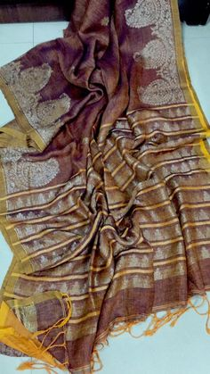 Linen jamdhani sarees with blouse . These sarees designed with beautiful color combinations with jamdhani model with blouse .