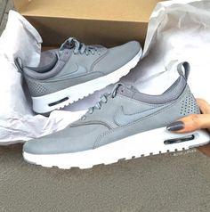 Nike Air Max Thea Premium - Grau Grey    Foto  gvp loves  ce2401ff09