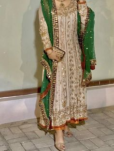 At a mehndi/ baraat Party Wear Indian Dresses, Pakistani Fashion Party Wear, Pakistani Formal Dresses, Designer Party Wear Dresses, Indian Bridal Fashion, Dress Indian Style, Pakistani Dress Design, Indian Designer Outfits, Pakistani Outfits