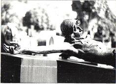 Ensaio fotográfico. Cemitério Municipal de Juiz de Fora MG. Foi tema de uma exposição em 1995.Mais fotos no link:http://fotografiasferrarezi.blogspot.com.br/2011/05/exposicao-tema-cemiterio-municipal-de.html