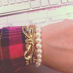 #gold bow bangle