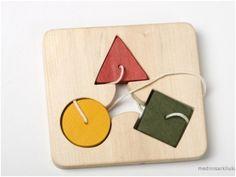 """Holzspielzeug - Fädelspielzeug """"Geometrische Figuren"""" - ein Designerstück von Thewoodenhorse bei DaWanda"""