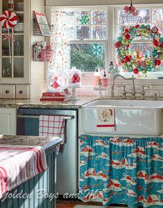 Christmas Kitchen, Cozy Christmas, Retro Christmas, All Things Christmas, Christmas Holidays, Christmas Crafts, Rustic Christmas, Christmas Ideas, Christmas Displays