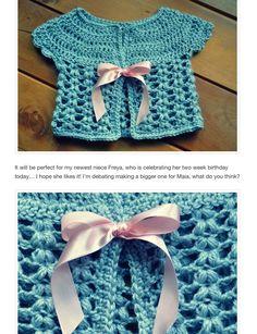 Nice kids cardigan, free crochet pattern ❥Teresa Restegui http://www.pinterest.com/teretegui/❥