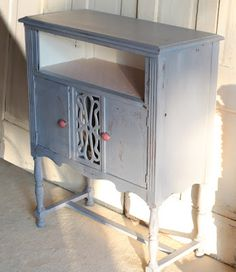 bad rabbit vintage - painted furniture with attitude : Presto chango in Dried Lavender MMSMP