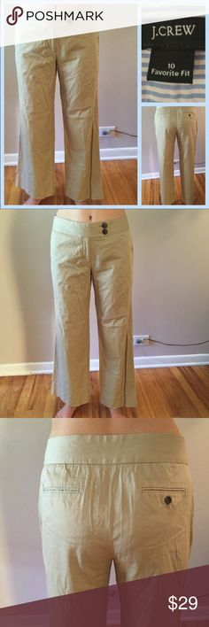 ☘J. Crew Favorite Fit Wide Leg Crop Pants. Size 10 ☘J. Crew Favorite Fit Wide Leg Crop Pants. Size 10. Excellent condition. Light weight 100% cotton. Double button and zipper, do you not need a belt. Legs are the fashion forward wider leg pants. Waist: 16.75 inches. Inseam 31.25 inches. Length 39.5 inches. Hips: 23 inches. J. Crew Pants Boot Cut & Flare
