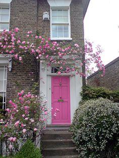 18 Ideas House Front Door Colors Shutters For 2019 Cool Doors, Unique Doors, Home Bild, London House, Front Door Colors, Entrance Doors, Front Doors, Entrance Ideas, Pink Houses