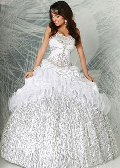 Fabulous silver and white full skirted ball gown from Q by Davinci